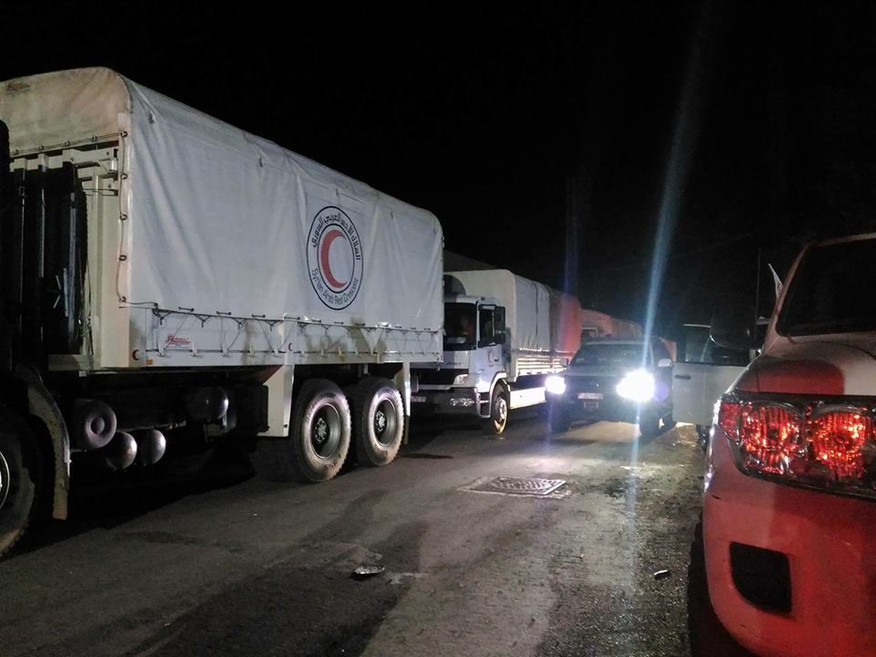 Syrian crisis: Second aid convoy reaches besieged Darayya